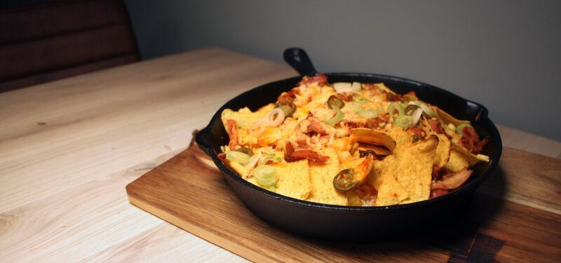 Met dit Pulled Chicken Nachos recept zet je een heerlijk voorgerecht op tafel!