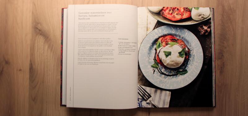 Het volgende recept uit Grill Rook BBQ dat ik ga bereiden is deze voor gerookte watermeloen met burrata en balsamico.