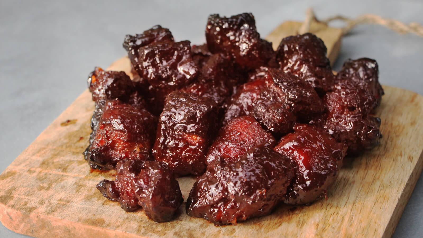 Ga eens voor de Low & Slow Pork Belly Burnt Ends