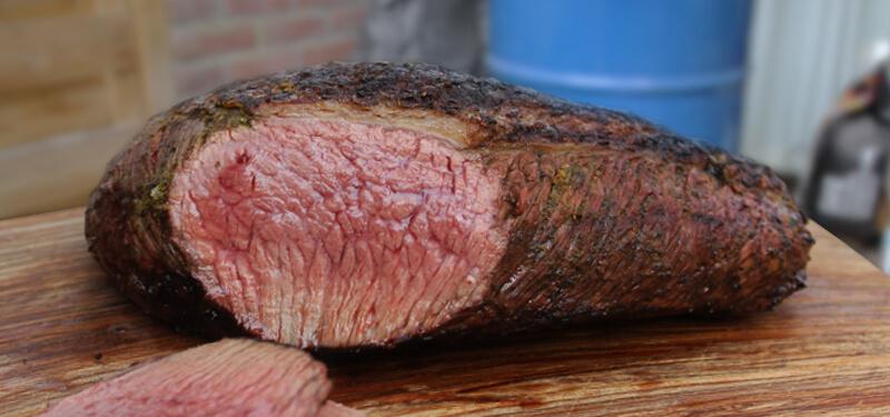Picanha is een heerlijk stuk vlees van het rund, dat langzaam gegaard moet worden