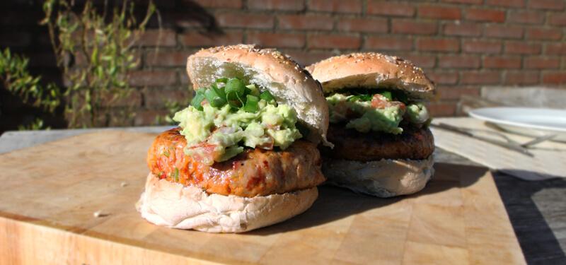 Heerlijke Mexicaane Kipburgers met chorizo en Guacemole