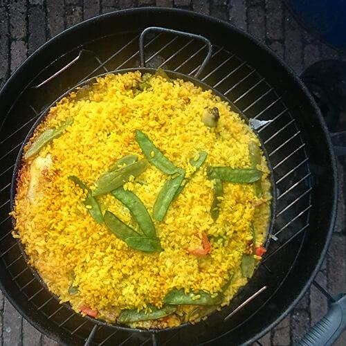 Heerlijk BBQ'en op z'n Spaans met dit Paella Recept!
