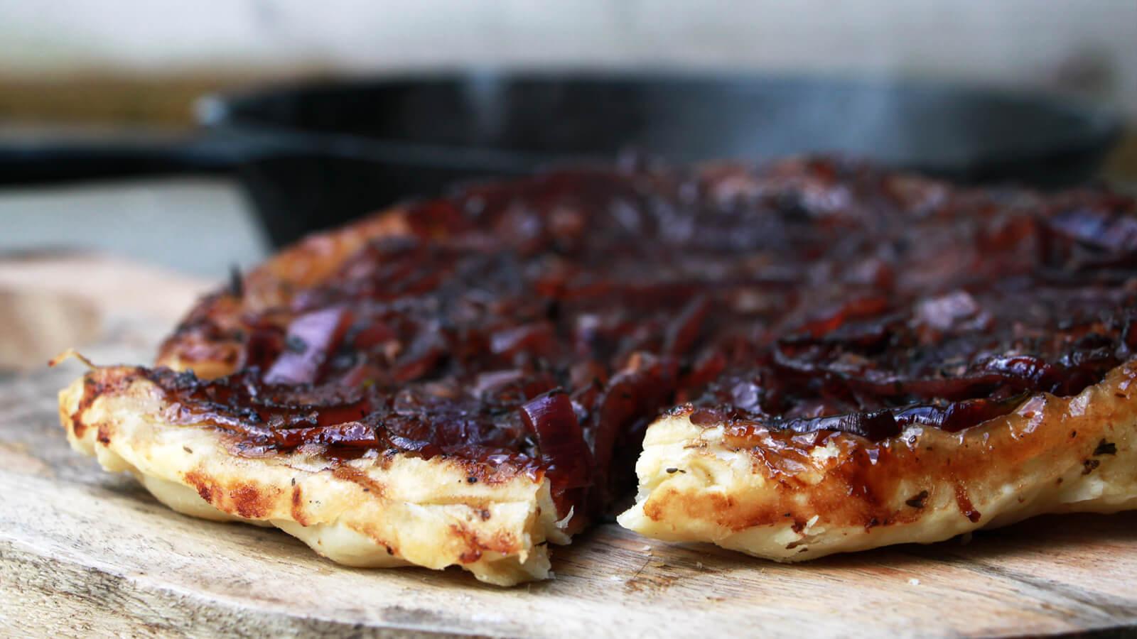 Wel eens een tarte tatin gemaakt op de BBQ? Kan ook gewoon!