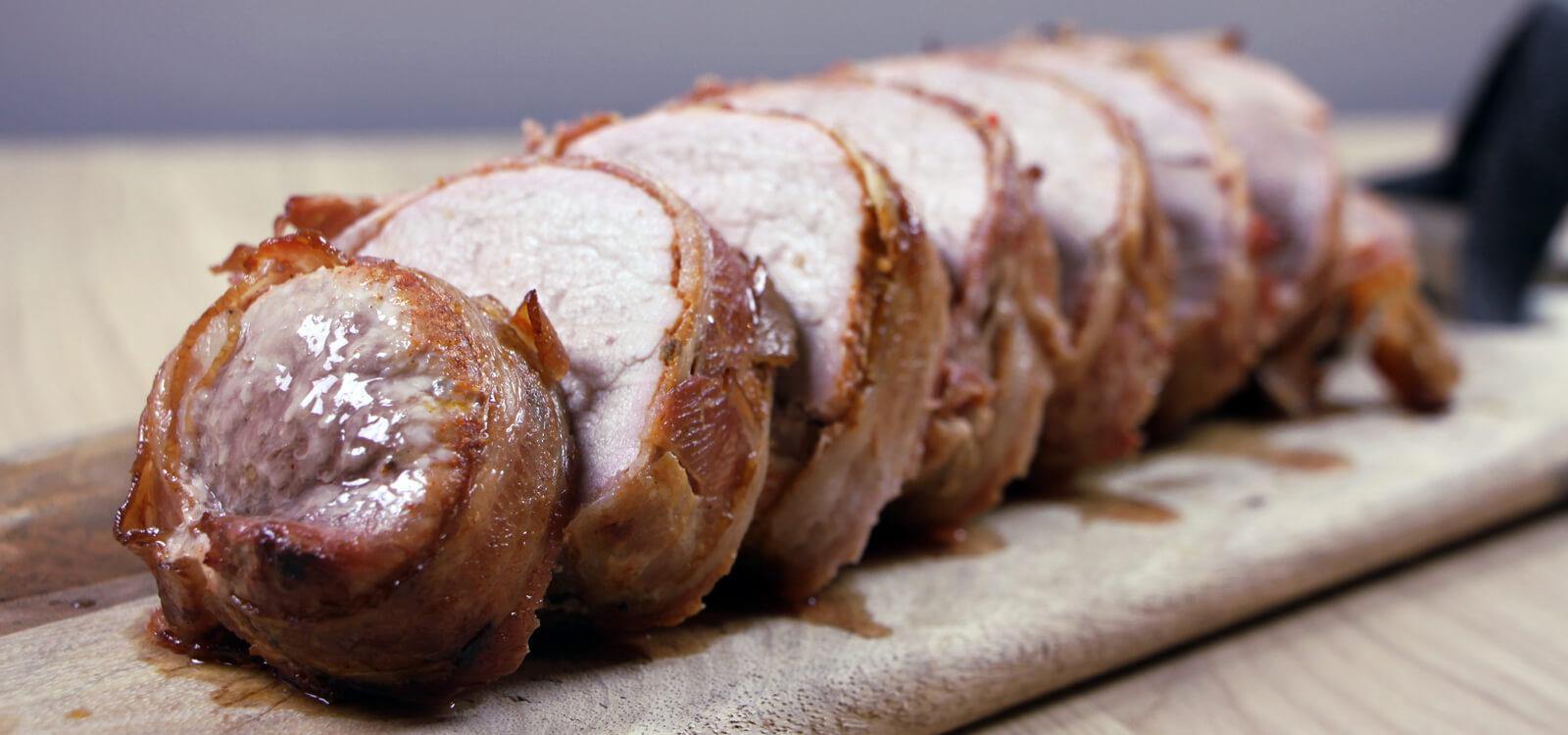 Een mooi stuk vlees garen, maar niet te lang bezig zijn? Ga voor deze varkenshaas in bacon!