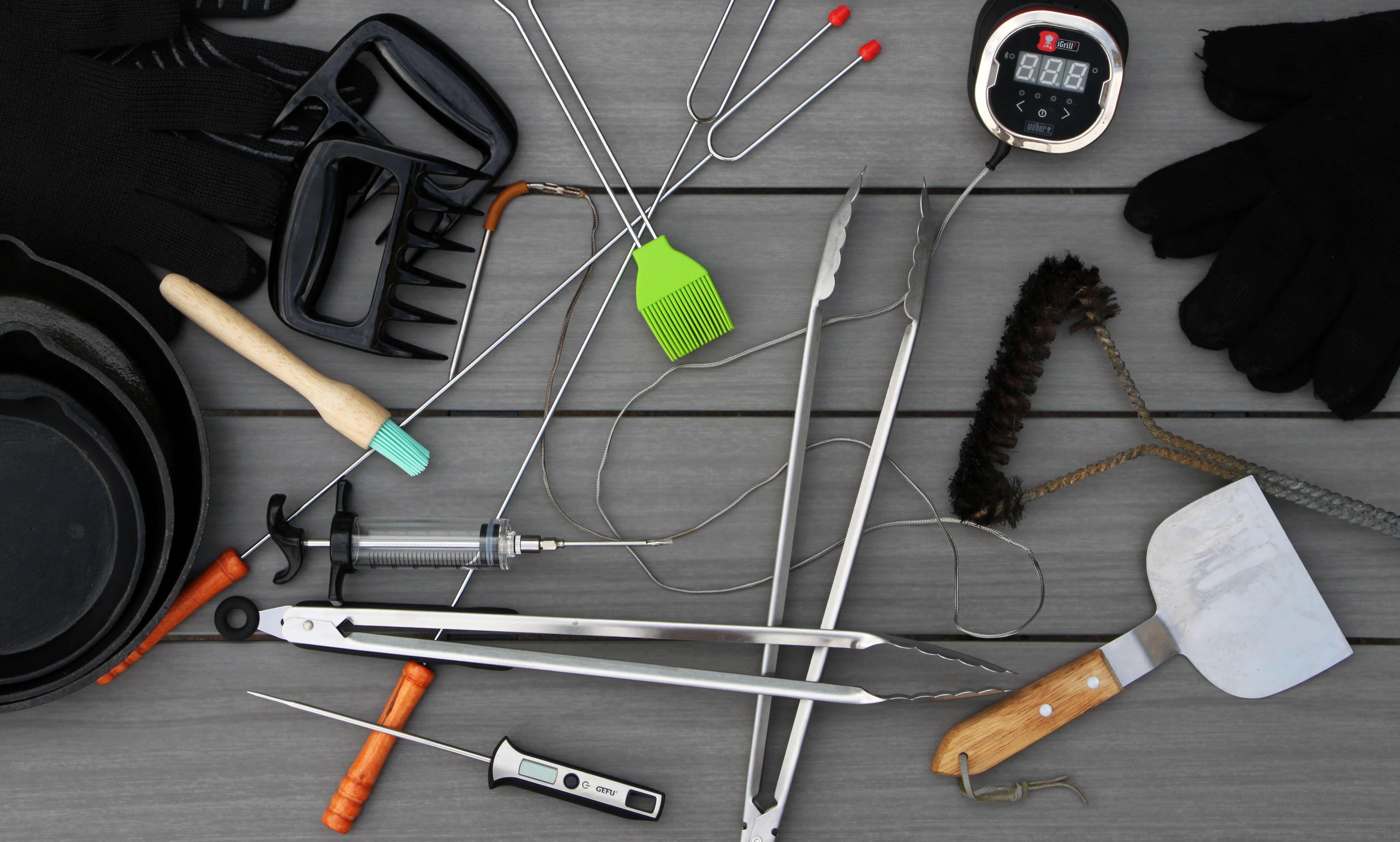 Welke accessoires zijn onmisbaar bij de BBQ? Dit zijn 5 BBQ accessoires die je in ieder geval nodig gaat hebben.