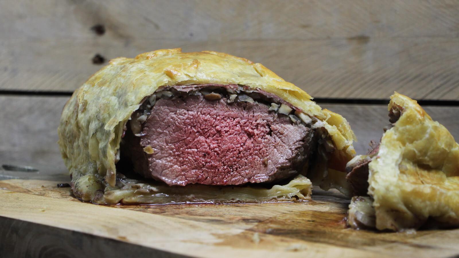 Ga voor een Kerst BBQ met dit recept voor Beef Wellington