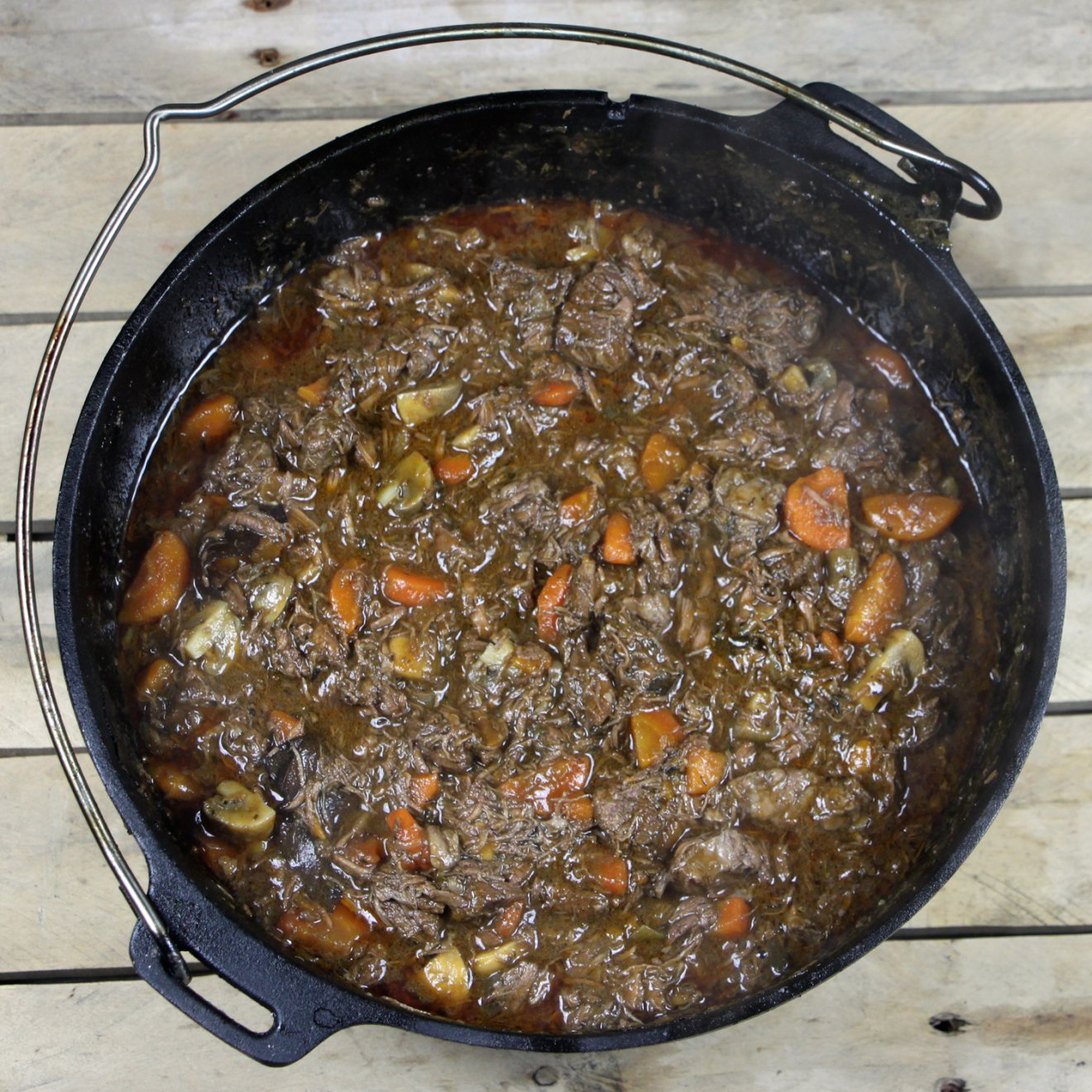 Barbecue Recept: Boeuf Bourguignon uit de Dutch Oven