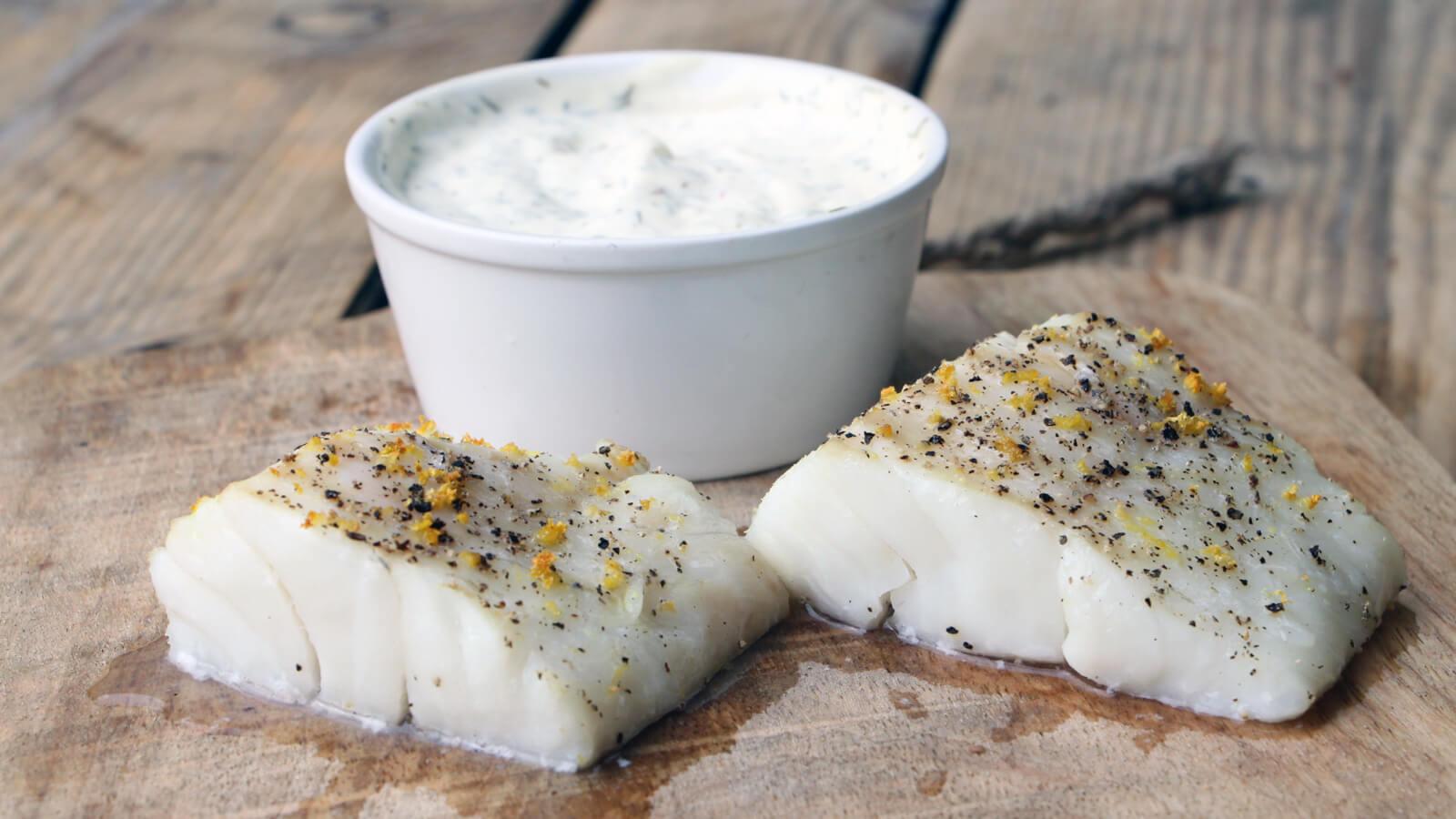 Vis van de Barbecue? Deze gestoomde kabeljauw met dille mayonaise is een aanrader!