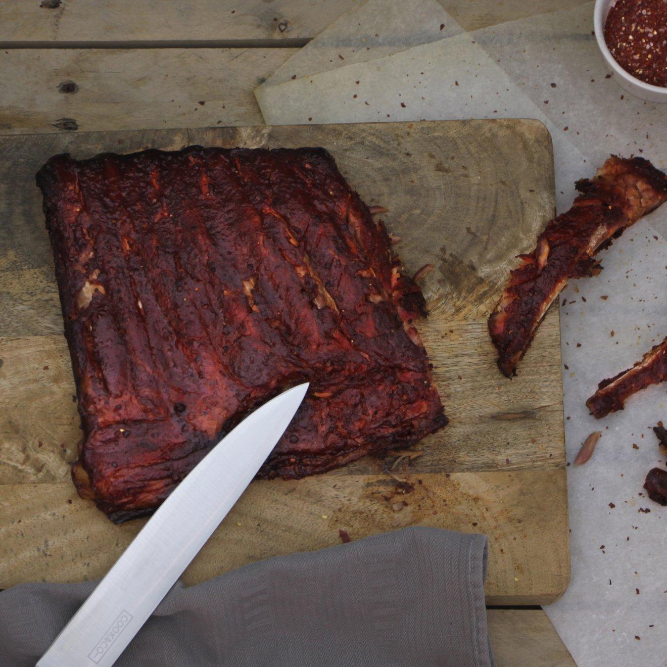 Buikspareribs van de BBQ