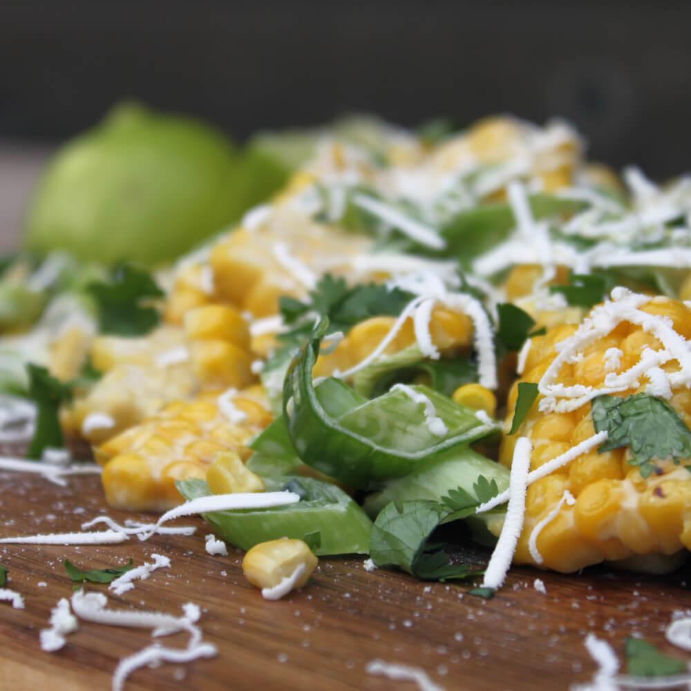 Op zoek naar een lekkere salade voor bij de BBQ? Deze Mexicaanse Maïs Salade is mijn favoriet!