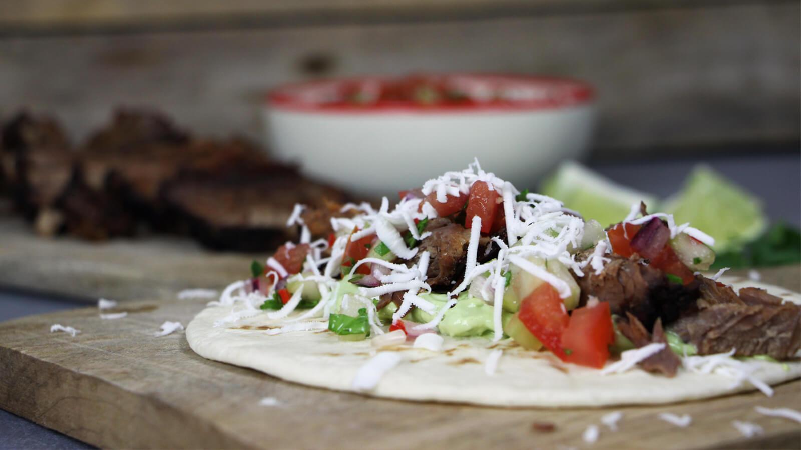 Pico de Gallo is een heerlijke Mexicaanse salsa, die bij allerlei soorten vlees en vis past.