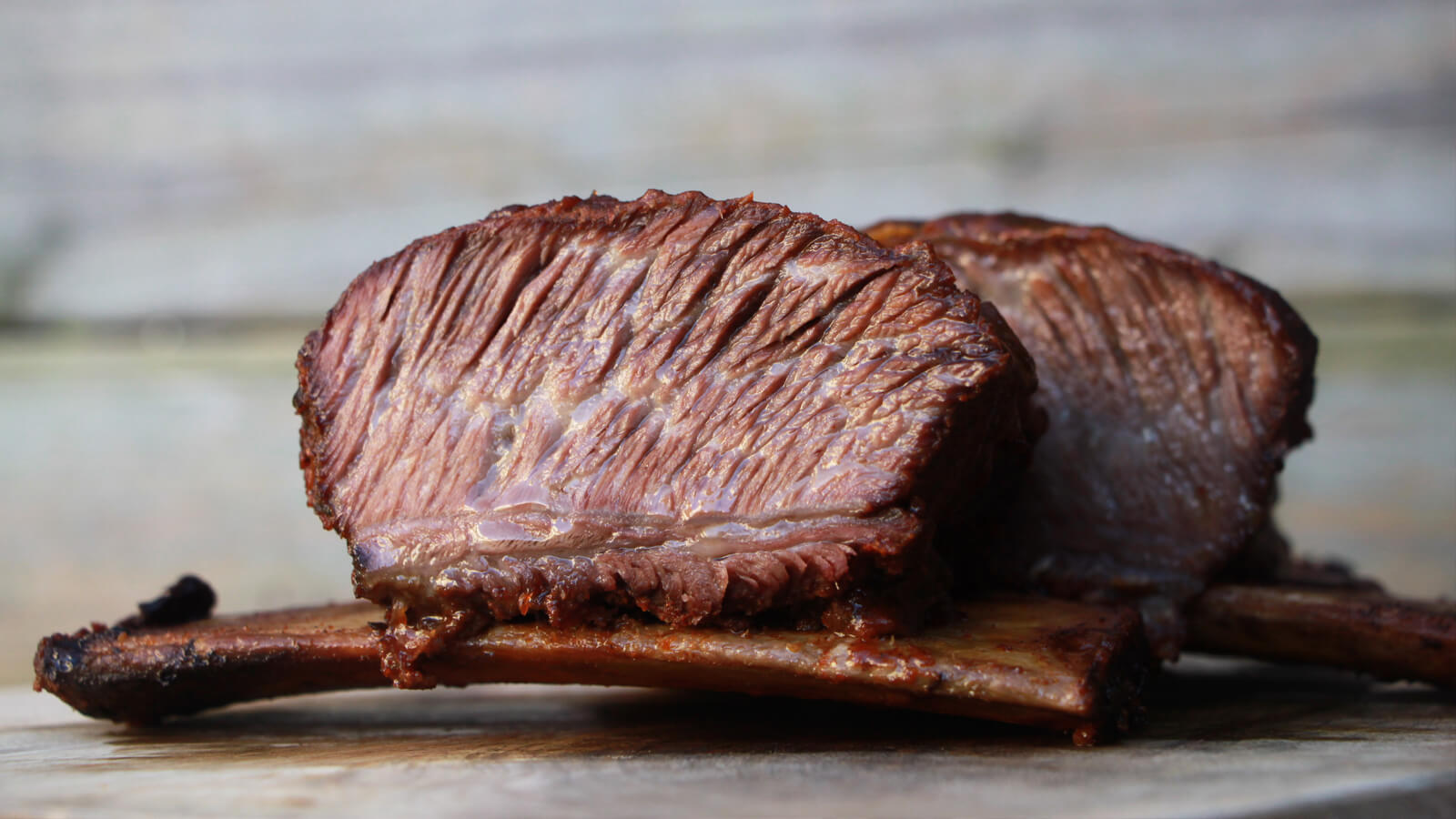 Low & Slow BBQ'en? Ga dan eens voor Short Ribs van de Barbecue!