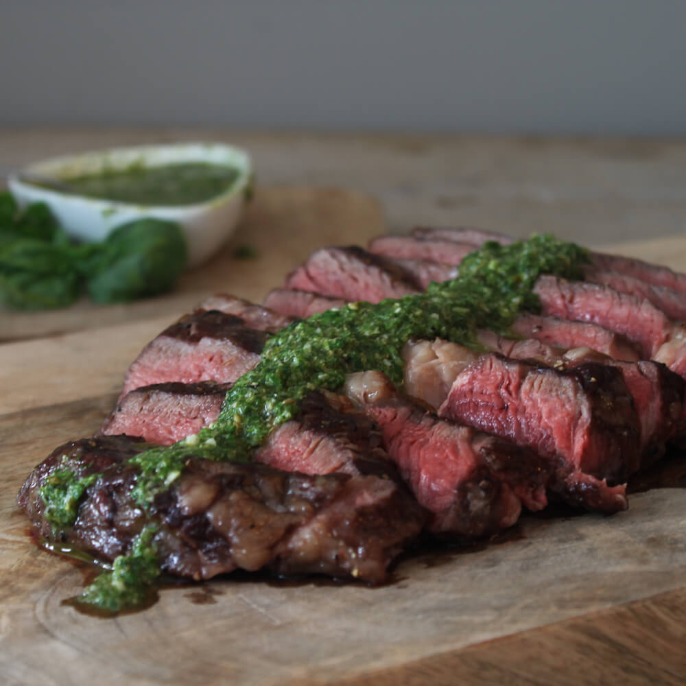 De perfecte steak van de BBQ? Rib eye met salsa verde!