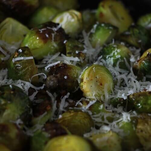 Groenten bereiden op de BBQ? Ga voor deze geroosterde spruiten!