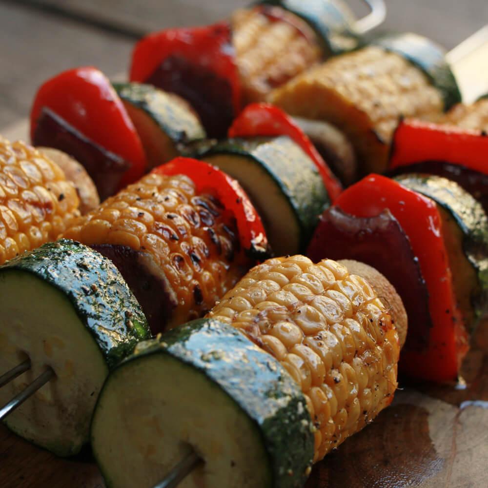 Groente van de BBQ? Probeer deze groente kebabs!