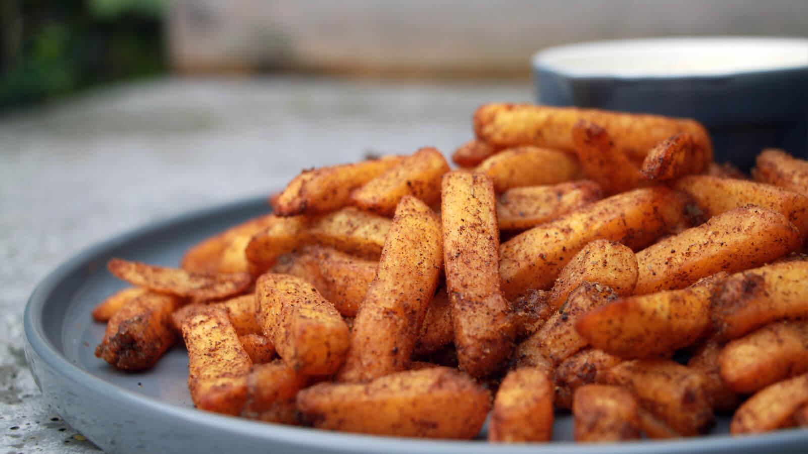 Frietjes van de BBQ? Ga voor deze Cajun Fries!