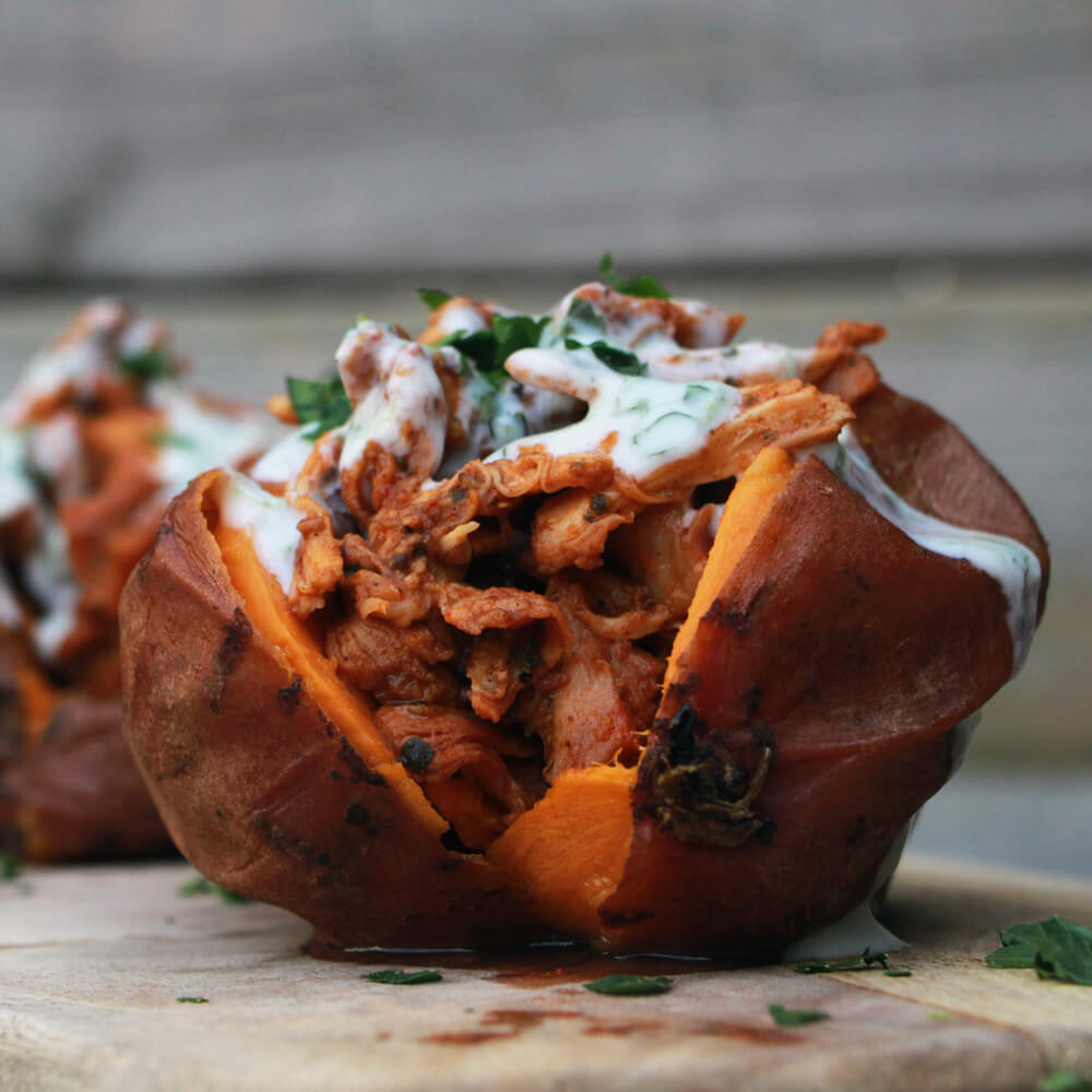 Pulled Chicken Sweet Potatoes | BBQ Recepten | BBQ Junkie