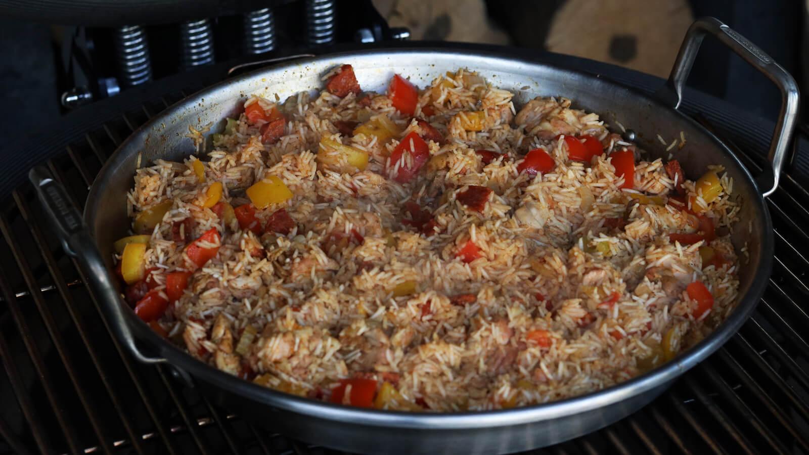 Kip Jambalaya van de BBQ